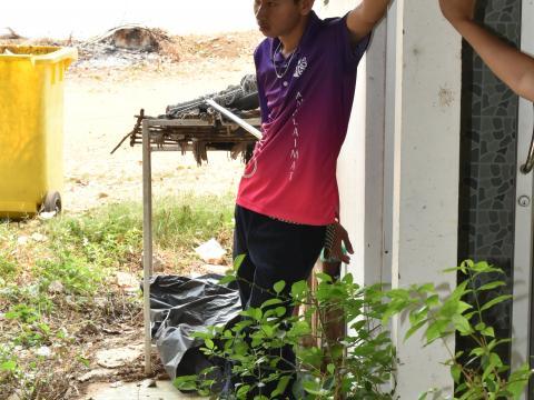 พนักงาน อบต.โคกล่าม ทุกท่านร่วมกันทำกิจกรรมทำความสะอาด โครงการ B